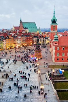 Castle Square in the Old Town of Warsaw at Christmas.