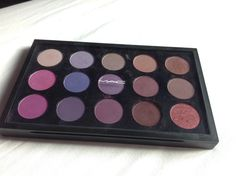 MAC palette - purple/plum. Seedy pearl, beautiful iris, shale, haux, star violet, stars n rockets, parfait amour, satellite dreams, nocturnelle, blackberry, vibrant grape, Indian ink, fig 1, sketch, cranberry.