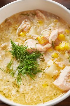 Salmon Corn Chowder Recipe / Check out this fall-favorite chowder recipe made with salmon, corn and real whole milk – it's creamy and lush and completely satisfying.#ad #gotmilk #chowder #soup #salmonrecipe Corn Chowder, Chowder Soup, Souped Up, Corn On Cob, Chowder Recipes, Gluten Free Chicken, Salmon Recipes, Cheeseburger Chowder, Stew