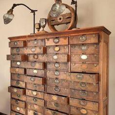 vieux meuble antique