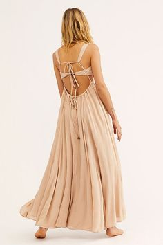 Free People Maxi Dress nude tan Endless Summer Yes Please Strappy Back NEW Tie Dress, Boho Dress, Dress Skirt, Peach Maxi Dresses, Senior Photo Outfits, Open Back Maxi Dress, Free People Maxi Dress, Engagement Outfits, Bridesmaids