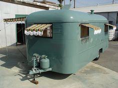 A Vintage Vacations Fully Restored 1947 Westwood Tahoe for sale for forty-five… Camping Vintage, Vintage Campers For Sale, Vintage Rv, Vintage Campers Trailers, Retro Campers, Vintage Caravans, Camper Trailers, Vintage Motorhome, Classic Trailers