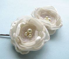 Hey, I found this really awesome Etsy listing at https://www.etsy.com/listing/59323712/bridal-flower-hair-bobby-pins-ivory-rose