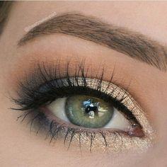 Blue & gold eyeshadow look