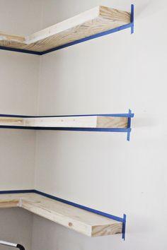 DIY floating shelves (spackle _ click through for more)