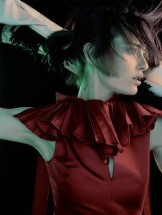 Javier Vallhonrat - Photographers - Fashion - Vogue Uk Le Cirque | Michele Filomeno