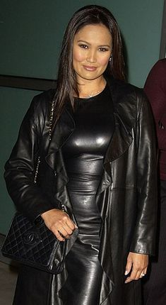 Cool and stylish Leather Outfit Tia Carrere, Mode Latex, Leder Outfits, Black Leather Dresses, Moda Casual, Latex Fashion, Leather Jacket, Leather Coats, Clothes For Women