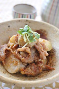 里芋と豚肉のごま味噌炒め by さっちん (佐野幸子) / 里芋は、レンジでチンするので、煮る時間が短縮されます!豚肉と炒め、ごま味噌を絡めれば出来上がり! / Nadia Ramen Recipes, Pork Recipes, Wine Recipes, Asian Recipes, Cooking Recipes, Healthy Recipes, Recipies, Japanese Dishes, Japanese Food