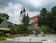 Europe Centrale, Guide, Tour, Sculpture, Mansions, House Styles, Old Homes, Hungary, Places To Visit