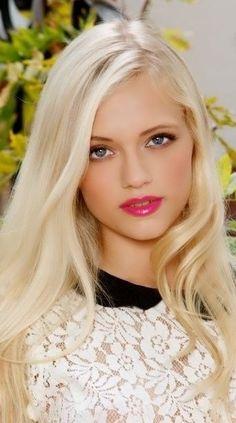 Absolutely Gorgeous, Gorgeous Women, Beautiful Blonde Girl, Arab Girls, Portraits, Blonde Women, Beautiful Children, Woman Face, Pretty Woman