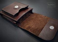 주문제작한 허리 가방입니다.. 원하시는 형태로 제작 해드렸습니다.. 갖다주신 반지를 달아달라 하셔서 부...