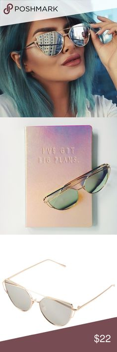 Silver & Gold Cat Eye Aviator Mirrored Sunnies NWT boutique item. Trend Alert❣ Silver Lens & Gold Frame Cat Eye Aviator Sunnies! Also available in 4 other colors: Rose Gold Lens & Gold Frame, Red Lens & Black Frame, Silver Lens & Silver Frame, Blue Lens & Silver Frame. Please message me if you're interested in any of the other colors! Lens Material: Polycarbonate, Frame Material: Copper. Lens Optical Attributes: Mirror, UV400, Anti-Reflective Accessories Sunglasses