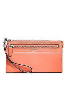 Coach #handbag #purse #clutch #fashion #wallet