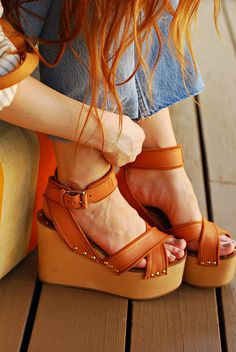 Platform sandals - love these - so high school retro