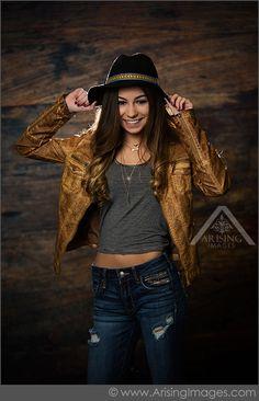 Fabulous Michigan Senior Pictures. Arising Images Photography. #ArisingImages #Senior #Pose #Fashion