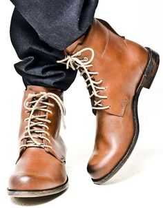Timberland Boot Company 2008 Winter Collection: Four of Timberland's new boots are now available over at OAK. Timberland Roll Top, Timberland Boot Company, Timberland Boots Women, Timberlands Women, Dapper Gentleman, Gentleman Style, Only Fashion, Mens Fashion, Yellow Boots