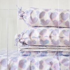 Ikat baby collection part of our 10% promotion promoting Breast Cancer Awareness Month ends today at 3pm. So please take full advantage of our online promotion before it goes away! #ecru #baby #sheet #quilt #bolster #ikat #hearts #nursery #promotion #online #exclusive #pinktober #thinkpink #design #interiors