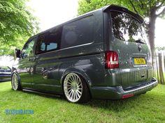 Vw T5, Vw Transporter Van, Car Volkswagen, Vw Camper, Caddy Maxi, Day Van, Van Design, Camper Van Conversion Diy, Minivan