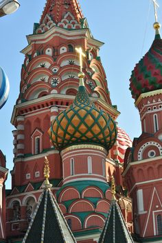 this is just amazing..I read it is Russian..what amazing and beautiful churches they have.