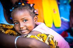 Smiling girl from Madagascar Kids Around The World, Joy To The World, People Around The World, Around The Worlds, Nosy Be Madagascar, Carnival Festival, Portraits, Praise The Lords, African Culture