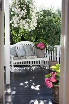 50 Ideas For Garden Bench Cottage Front Porches Cottage Front Porches, Side Porch, Porch Swing, Country Porches, Outdoor Rooms, Outdoor Gardens, Outdoor Living, Outdoor Decor, Cozy Place