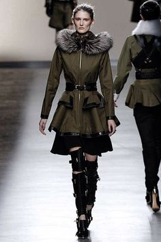NY FALL 2013 READY-TO-WEAR  Prabal Gurung  -peplum, belted waist, leather trims