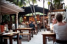 Hartwood Restaurant in Tulum Outdoor Restaurant Patio, Outdoor Cafe, House Restaurant, Restaurant Design, Surf Cafe, Beach Cafe, Coffee Shop Design, Cafe Design, Tulum Restaurants
