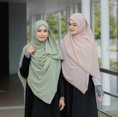 @hijabgaleria Hijabi Girl, Girl Hijab, Abaya Fashion, Muslim Fashion, Simple Hijab, Modele Hijab, Head Scarf Styles, Hijab Niqab, Modest Wear