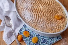RÝŽOVÝ NÁKYP POD SNĚHOVOU ČEPICÍ - Inspirace od decoDoma Latte, Treats, Ethnic Recipes, Sweet, Bulgur, Sweet Like Candy, Sweets, Latte Macchiato, Snacks