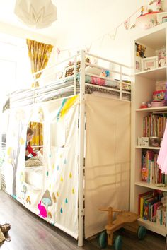 Kate's Wonderfully Small Amsterdam Space - bunk beds made into a cozy hideaway Bunk Bed Fort, Bunk Beds, Bunk Bed Curtains, Playhouse Bed, Kids Teepee Tent, Bed Tent, Play Tents, Girl Room, Girls Bedroom