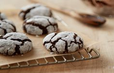 Try this Cocoa Crinkle Cookies Baking Recipe recipe, made with HERSHEY'S products. Enjoyable baking recipes from HERSHEY'S Kitchens. Bake today.