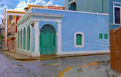 Spanish Colonial house in Old San Juan Puerto Rico - Llanos Colon