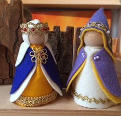 One of a Kind Heartfelt Original MEDIEVAL KING and QUEEN...this listing is for 2 dolls This little pair stands 9 -10 cms (3.5 - 4 inches) made