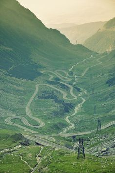 The Transfăgărășan - second highest paved road in Romania, connects the historic regions of Transylvania and Wallachia and the cities of Sibiu and Pitești. Wonderful Places, Beautiful Places, Travel Around The World, Around The Worlds, The Beautiful Country, Travel Tours, Have A Nice Trip, Oh The Places You'll Go, Tourism