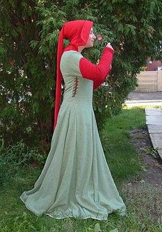 15th Century Clothing | 15th Century Middle Class Dress | 15th century fashion