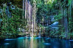 Cenote Ik-Kil, Yucatan, Messico
