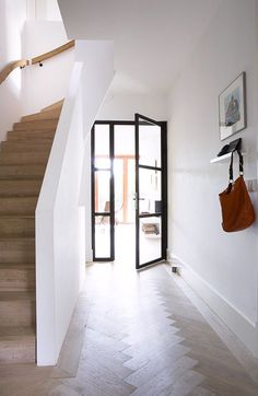 Modern hallway, entry hallway, entrance hall, white hallway, hallway id Modern Hallway, Entry Hallway, Hallway Ideas, White Hallway, Entrance Hall, Hallway Designs, Interior Architecture, Interior And Exterior, Interior Glass Doors