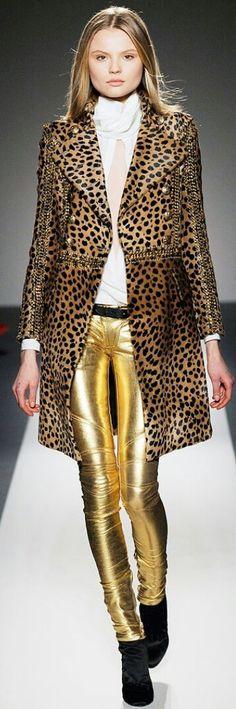 BALMAIN FALL 2010 READY-TO-WEAR Sexy Outfits, Cool Outfits, Balmain, Personal Style, Ready To Wear, Boss, Leather Jacket, Style Inspiration, Blazer