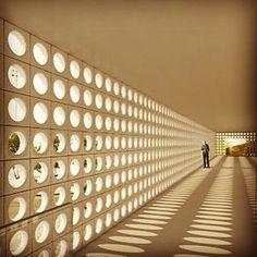 Proposta do ilustre arquiteto Isay Weinfeld para o concurso MIS do Rio de Janeiro 2010 !!!  Peimwiro andar inteiro em cobogós da Elemento V !!!!