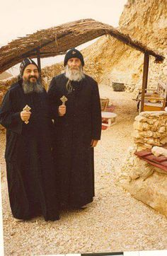 Started off as Father Gregory in the Serbian Orthodox Monastery in Elaine Australia and now is Father Lazarus el Anthony. Remember us in your prayers fathers Pope Shenouda, Orthodox Christianity, Serbian, Vintage Pictures, Priest, Egypt, Saints, Religion, Father