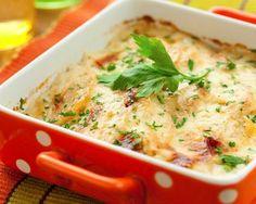 Tartiflette aux endives et au vin blanc : http://www.cuisineaz.com/recettes/tartiflette-aux-endives-et-au-vin-blanc-10974.aspx