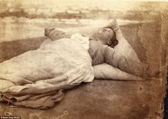These haunting pictures show patients at a 19th century psychiatric hospital at a time whe...