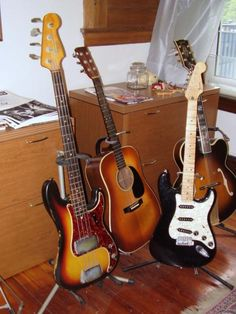 electric and acustic guitars