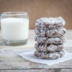 Unbelievably Tasty Gluten Free Brownie Cookies Recipe with lots of chocolate that your family will love, and with no brownie pan to clean, make them TODAY! Gluten Free Deserts, Gluten Free Cookie Recipes, Gluten Free Brownies, Gluten Free Sweets, Gluten Free Cookies, Foods With Gluten, Gluten Free Baking, Brownie Recipes, Dessert Recipes