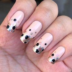 Polka Dot Nail Designs Simple style and beautiful style are included In you must try a dot nail! Fancy Nail Art, Dot Nail Art, Polka Dot Nails, Fancy Nails, New Years Nail Designs, Dot Nail Designs, Simple Nail Designs, Matte Nails Glitter, Silk Nails