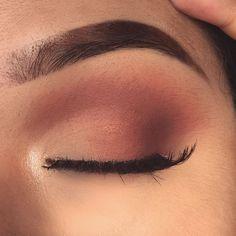 Eye make up - maquillage Makeup Eye Looks, Cute Makeup, Pretty Makeup, Skin Makeup, Eyeshadow Makeup, Casual Eye Makeup, Simple Eyeshadow Looks, Drugstore Makeup, Eyeshadows