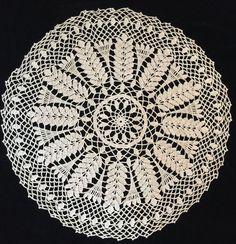 "Vintage Crocheted Doily Ecru Fern Large Very Pretty Design 21"""
