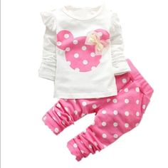 New Pink 2-3T Minnie Mouse outfit Adorable pink Minnie Mouse outfit. 2-3T New in bag Tops Tees - Long Sleeve