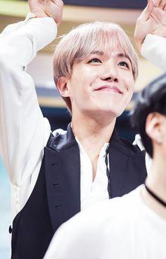 J-Hope ❤ BTS At Inkigayo (170226) #BTS #방탄소년단