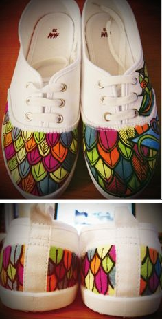 Customized shoes with posca Painted Canvas Shoes, Painted Sneakers, Hand Painted Shoes, On Shoes, Me Too Shoes, Shoe Boots, Sharpie Shoes, Sharpie Crafts, Sneaker Art